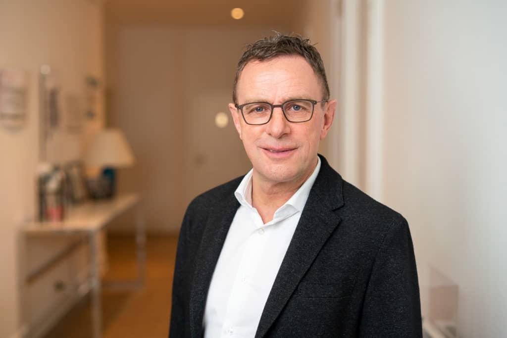 Corporate Fotograf Tim Hard, Ralf Rangnick Portrait Leipzig - -22. Januar 2021 - 1